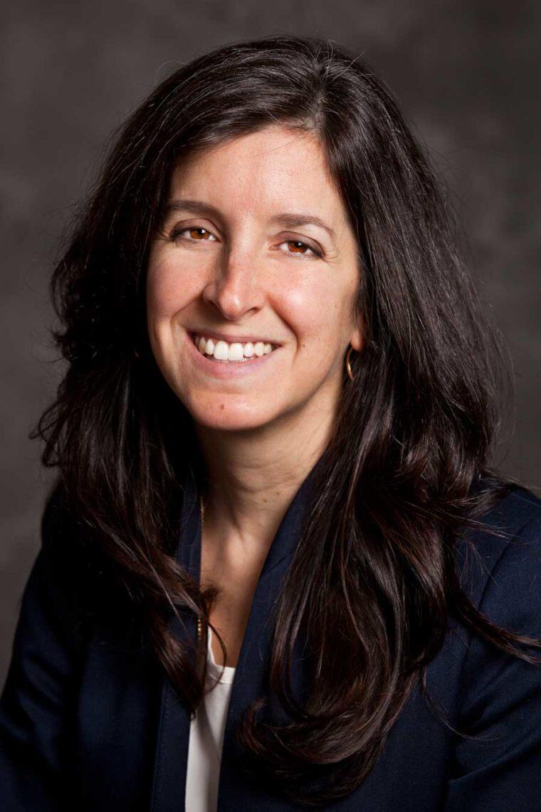 Elena Conis